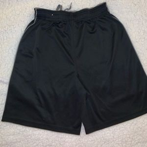 Youth large hibbet black shorts